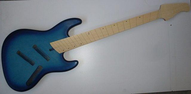 Mais trabalho pro Samuel: Jazz Bass 5 Cordas Fanned - Página 2 1616575_581480225264322_1055595210_n