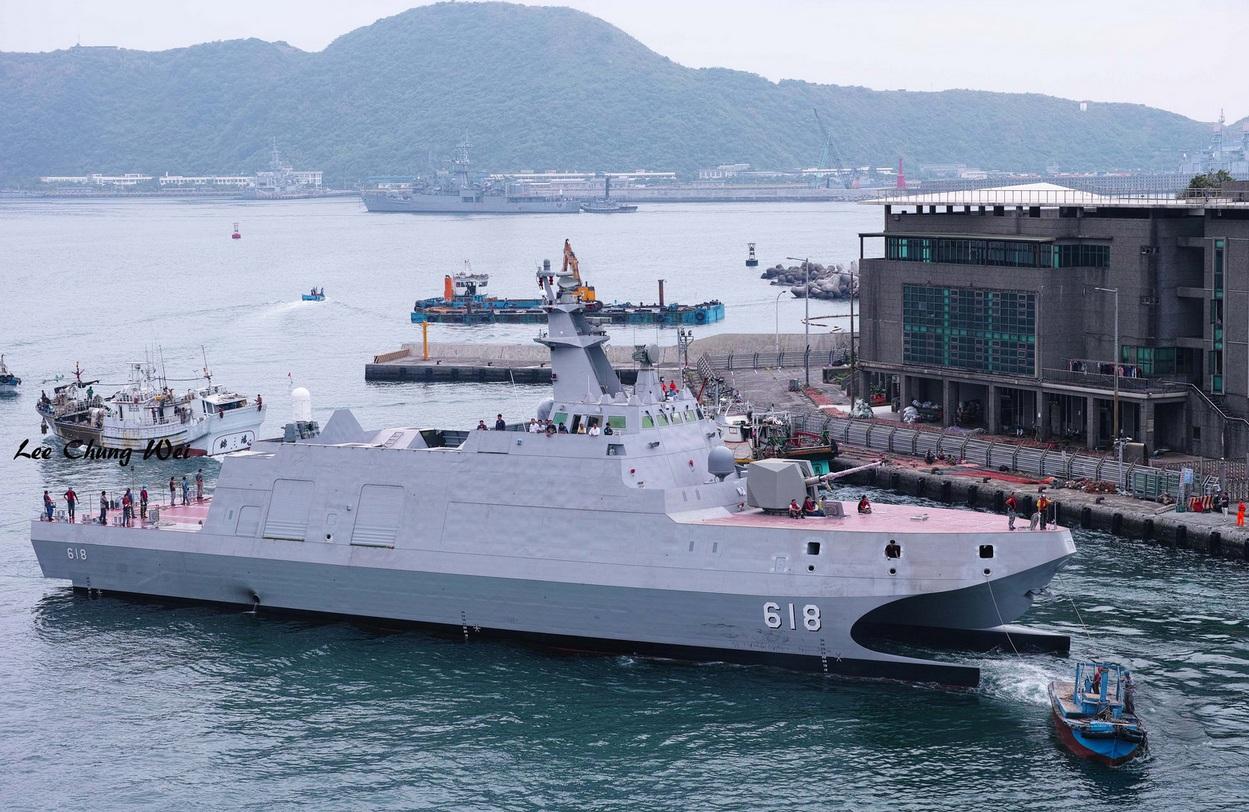 Taiwan ya adquirio y desarrollo  equipo militar propio para contra-restar el rapido crecimiento de armas en China 1486059_original