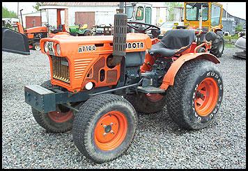Hilo de tractores antiguos. - Página 40 Kubota_b7100