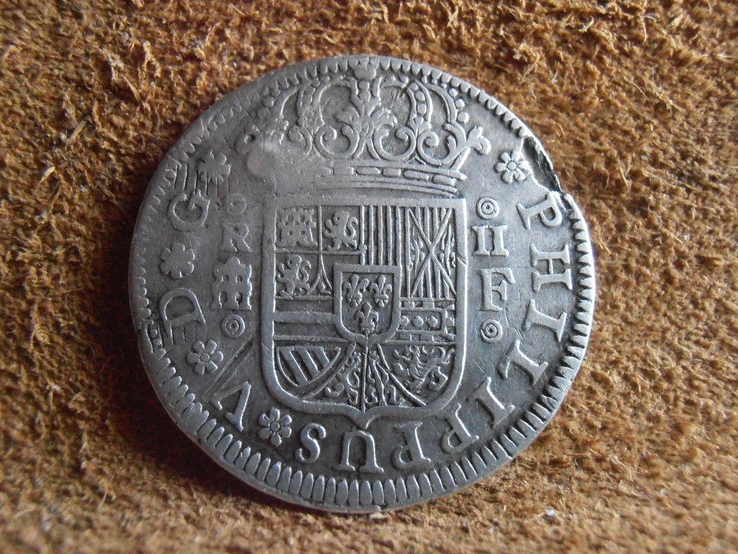 2 reales de Felipe V - Segovia: VARIANTES P4100012