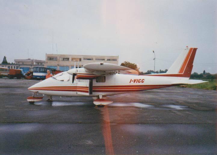 Aeroportul Arad - Poze Istorice - Pagina 2 1378691_599411903433448_36136344_n