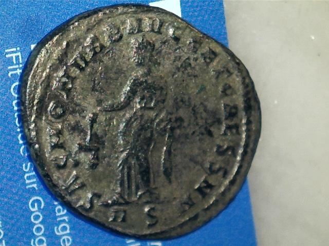 Nummus de Maximianus Hércules.SAC MON VRB AVGG ET CAESS NN. Moneta estante a izq. Ceca Roma. 2017_02_07_0004_0_X