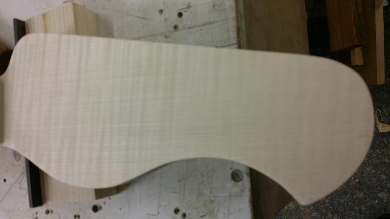 Construção caseira (amadora)- Bass Single cut 5 strings - Página 4 20151120_155753_resized