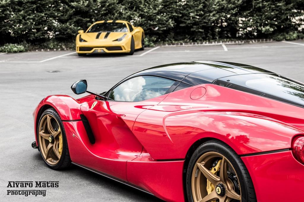 2013 - [Ferrari] LaFerrari [F150] - Page 23 Gold_wheeled_laferrari_4