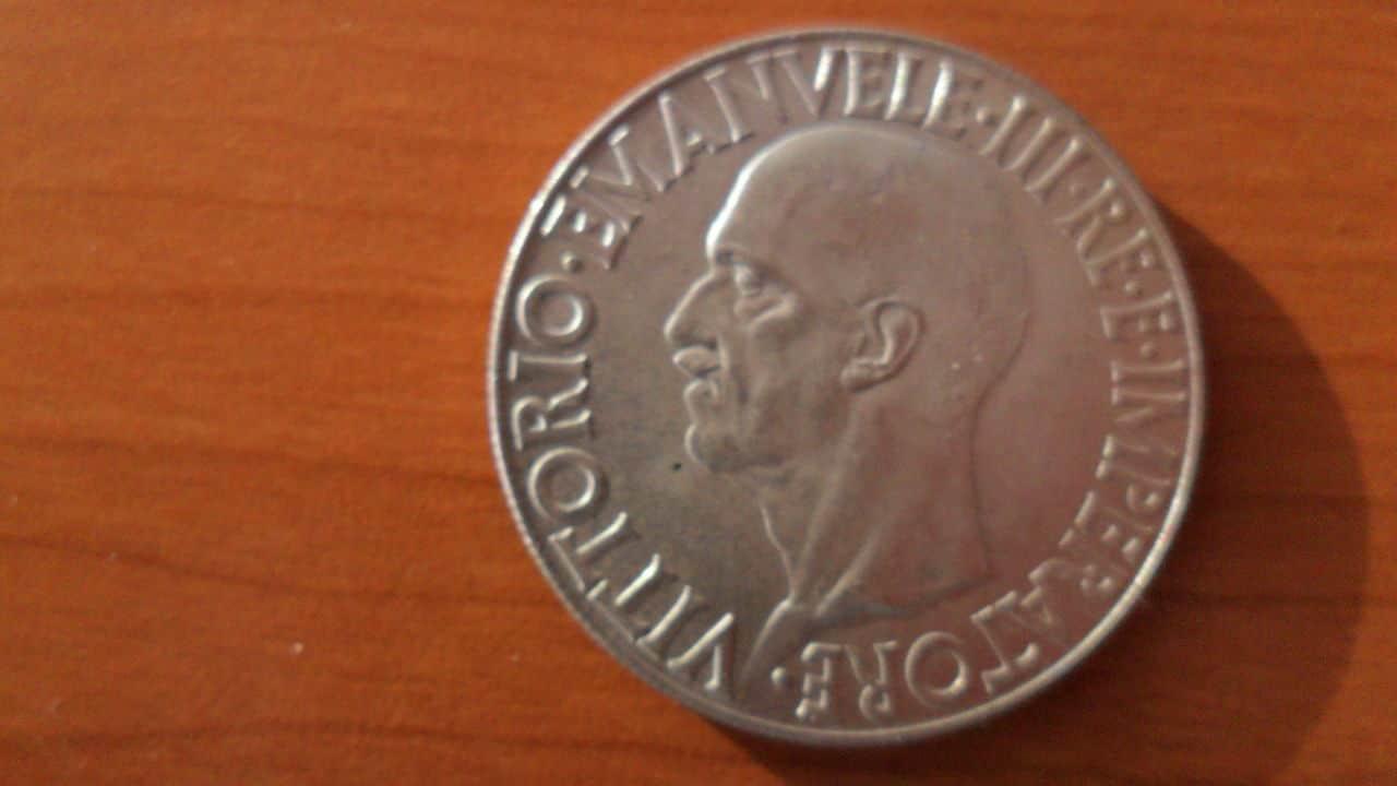 AYUDA !!! 20 lira 1936 Italia Picture_005