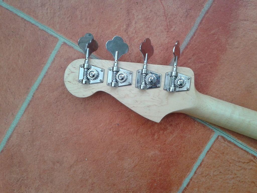 Dúvida sobre originalidade desse Fender Precision Bass  Fender6