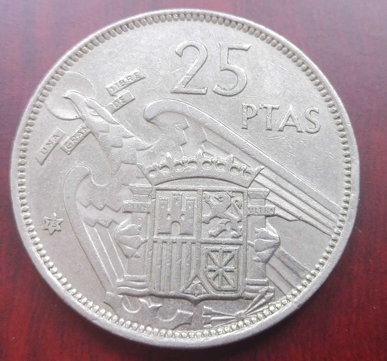 25 pesetas 1957 (*73). Francisco Franco IMG_20160221_124953