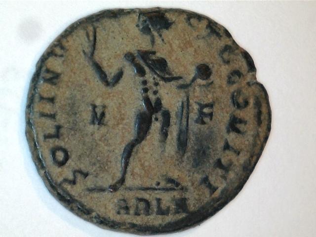 AE3 de Constantino I. SOLI INV-I-CTO COMITI. Ceca Arlés. Image