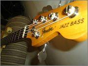 Fender Jazz Bass falso ou verdadeiro 998244_466331696787945_301783749_n