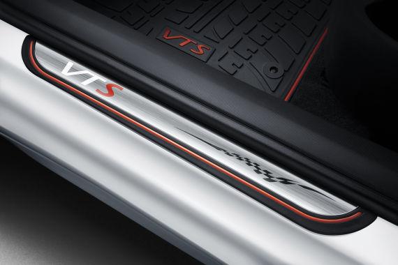 [Citroën] C4 Sedan - Page 8 U6652_P33_DT20140402103837