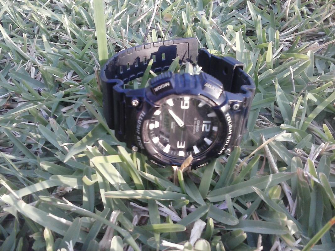 Reloj Tough Solar CASIO AQ-S810W-1A CAM01046