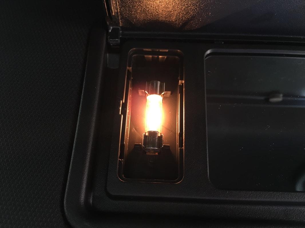 Lámparas en Astra K: Recambios de Bombillas - Página 7 IMG_0099