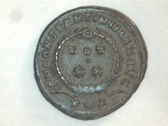 AE3 de Constantino I Magno. VOT X.X. Ceca Arlés. Image