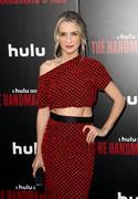 """Premiere de """"Handmaids tale"""" season 2 Premiere_Hulu_Handmaid_Tale_Season_2_Red_Carpet_fp_Zlf_Z_Mhovl"""
