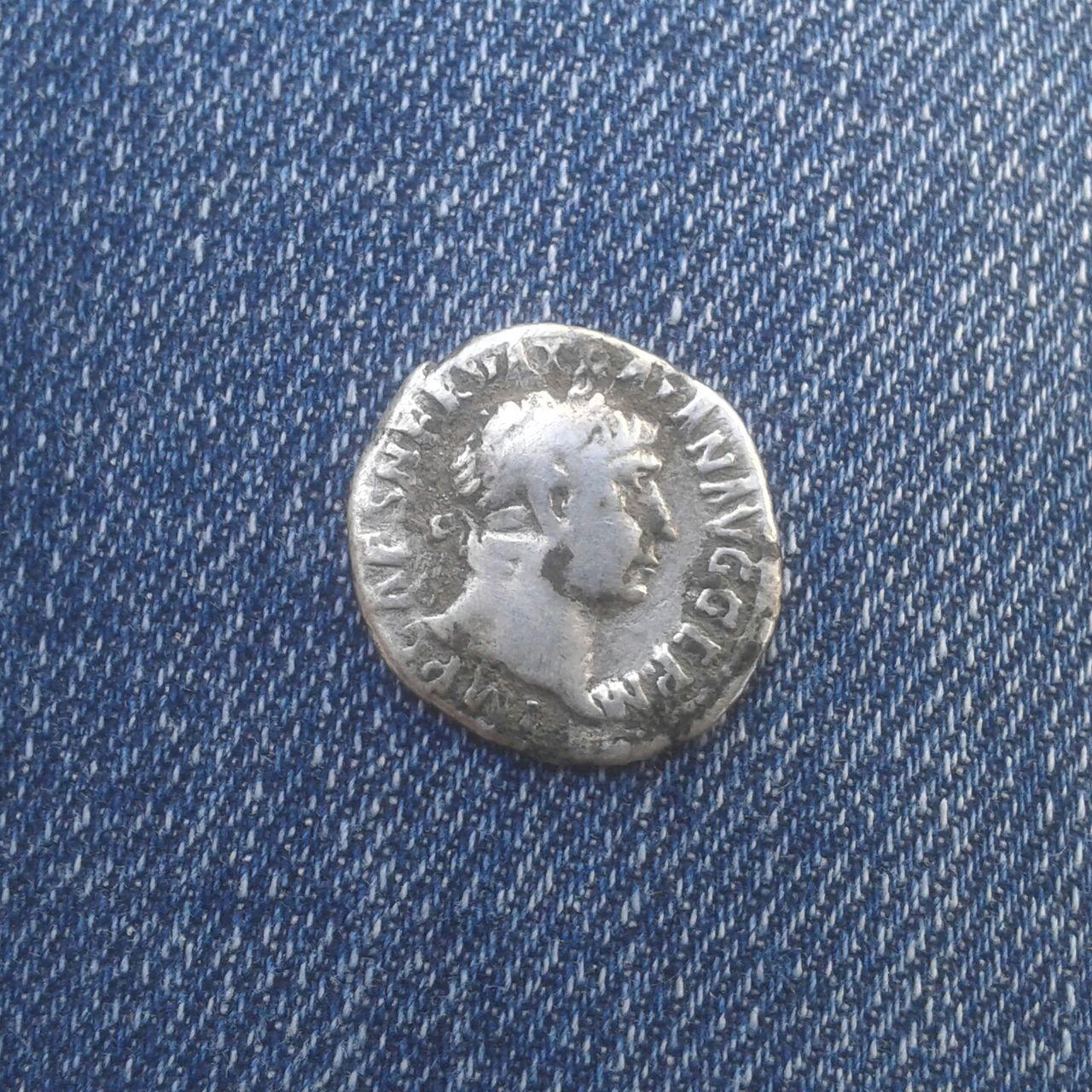 Denario de Trajano. P M TR P COS IIII P P. Victoria. Ceca Roma. 20160421_181611_1_1