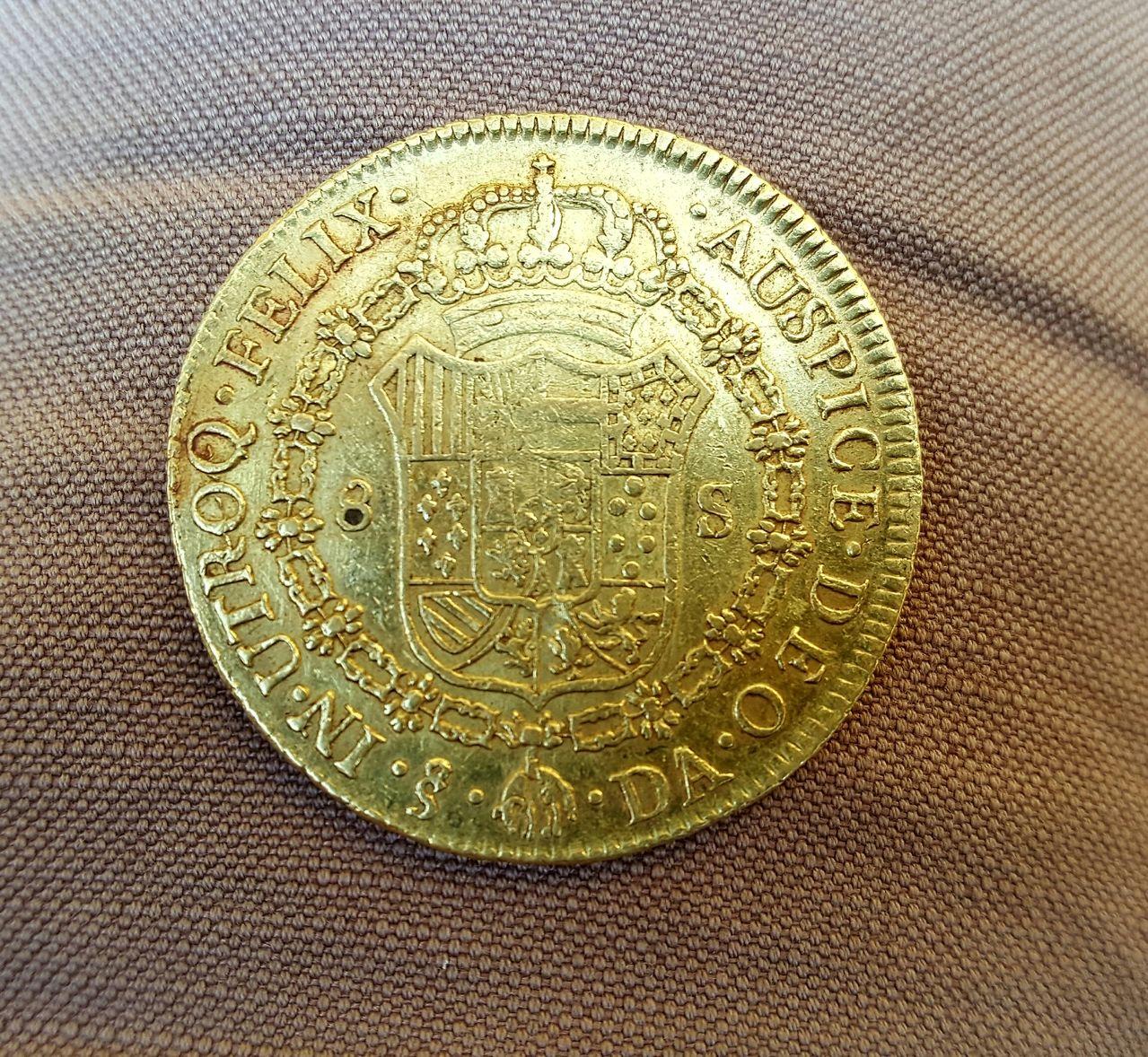 8 escudos 1777. Carlos III. Santiago de Chile 20160613_192824_1