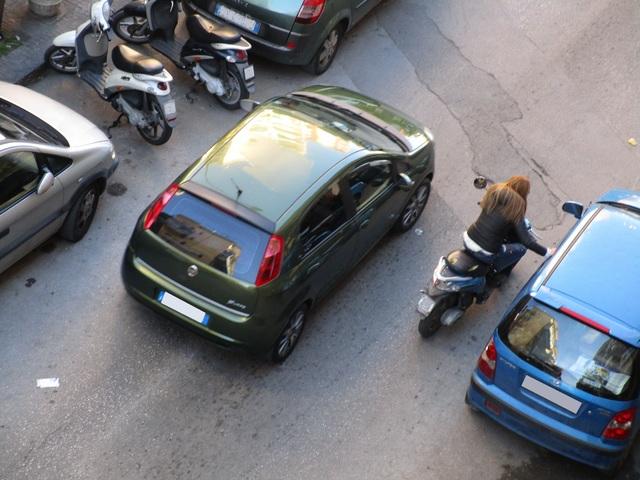 Avvistamenti auto dai colori particolari IMG_1695