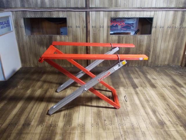 Diorama: Taller mecánico clásico, escala 1/10 DSCN6483