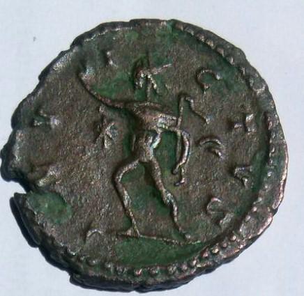Antoniniano de Victorino. INVICTVS. Sol. Ceca Trier. 8bc1ce1d_5652_4b21_a742_5396b252861f_2