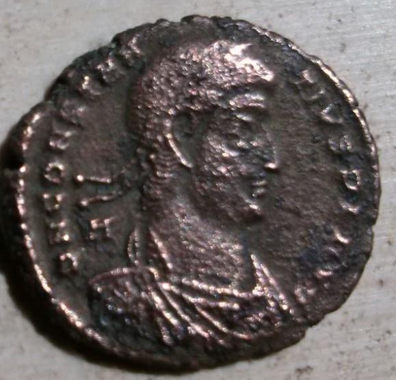 AE2 de Constancio II. HOC SIG-NO VICTOR ERIS. Ceca Siscia. 2e4e583f_3331_422c_8d36_80a0c473752c_2
