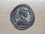 Antoniniano de Probo. ROMAE AETER. Roma en templo. Ceca Roma. Anverso