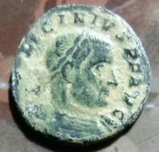 Follis de Licinio I. SOLI IN-VIC-TO COMITI. Ceca Arlés. 64072e74_0976_49ab_bed3_9d4aa2aff526_2