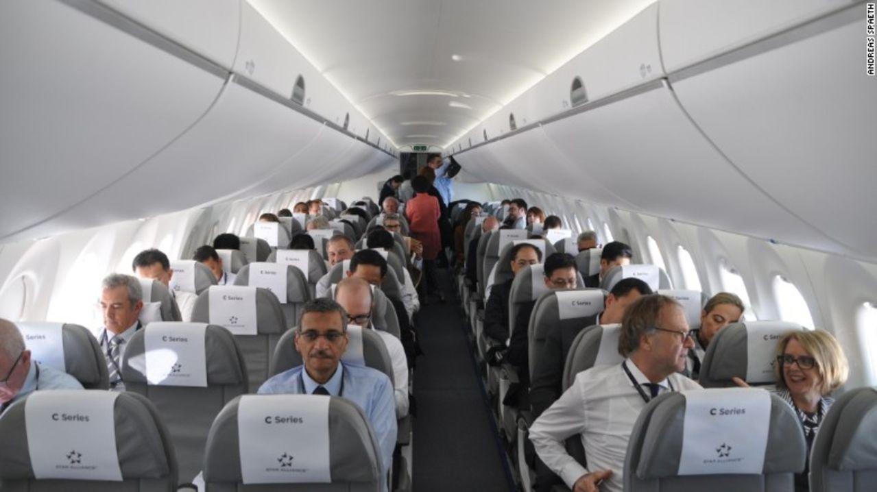 Jet comercial Bombardier CS C100 - Primer avion comercial en Suiza en vuelos internacionales Swiss_bombardier_cs100_cabin_interior_first_pass