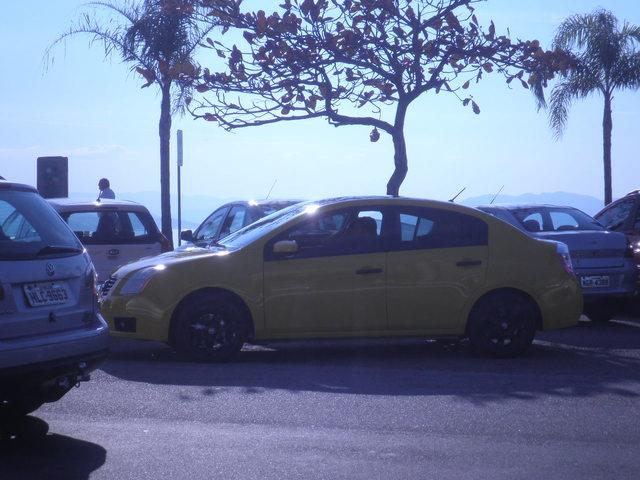 Avvistamenti auto dai colori particolari - Pagina 2 Julho_16_002