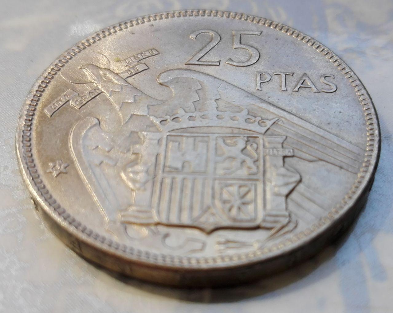 25 pesetas 1957 (*61). Francisco Franco. Dedicada a Estrella76 25_pesetas_63_5
