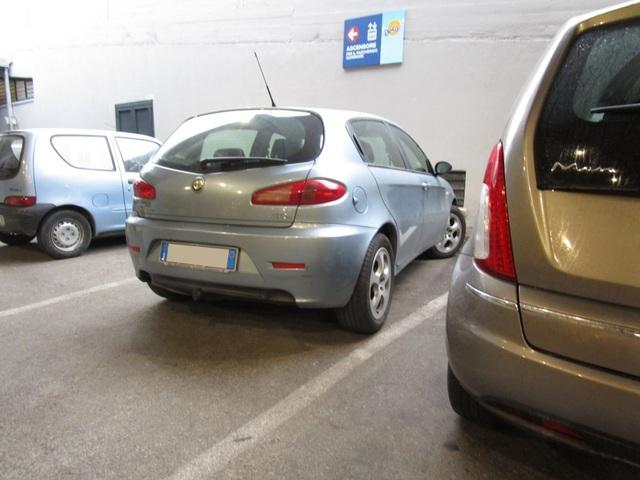 Avvistamenti auto dai colori particolari IMG_2066_FILEminimizer