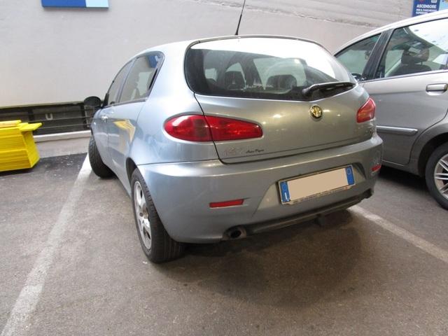 Avvistamenti auto dai colori particolari IMG_2065_FILEminimizer