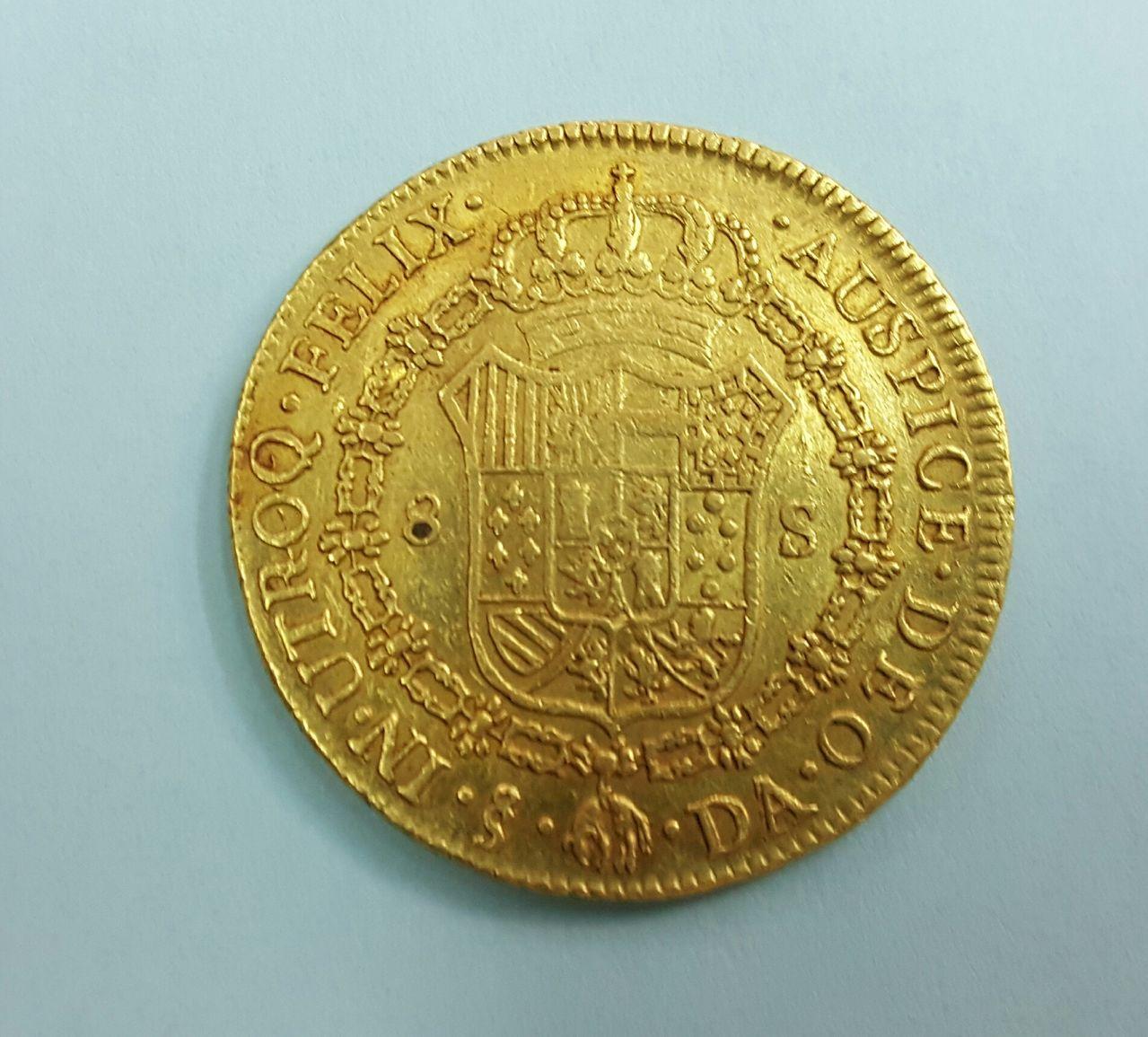 8 escudos 1777. Carlos III. Santiago de Chile 20160613_192621_1