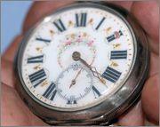 مطلوب ساعات جيب شغاله للشراء فورا  Watch