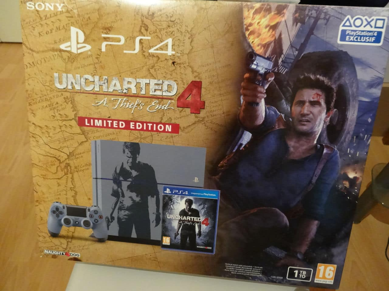 Uncharted 4 : 3 collectors au programme  DSC02736