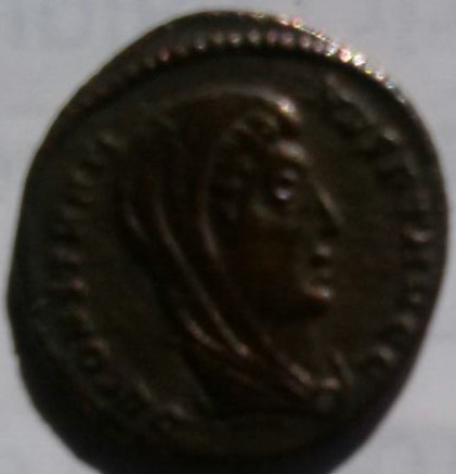 AE4 póstuma de Constantino I Magno. Emperador con cuádriga. Ceca Alejandría. 16892fac_7cd8_4990_a645_b0297be540c9_2