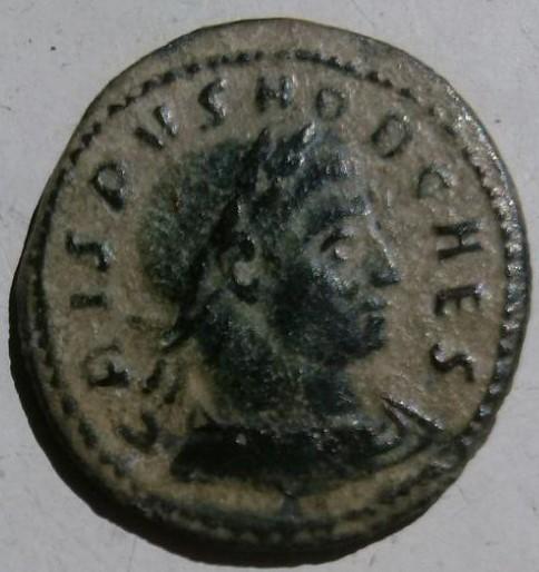 Follis de Crispo. CAESARVM NOSTRORVM - VOT/./V. Ceca Roma. Cf402b10_7523_433b_ae5e_c92adc0bd863_2