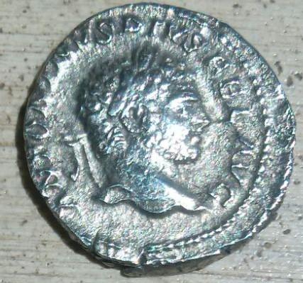 Denario de Caracalla. P M TR P XVI COS IIII P P. Serapis. Ceca Roma. A173ea13_538a_4dd8_bd52_33d52d7fd1ad_2