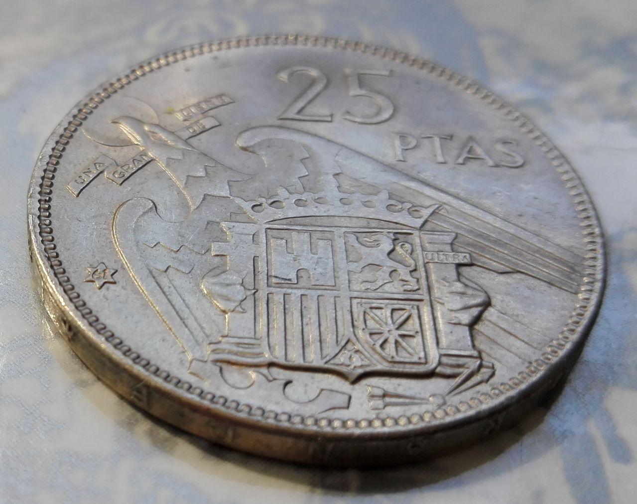 25 pesetas 1957 (*61). Francisco Franco. Dedicada a Estrella76 25_pesetas_63_4