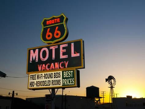 ROUTE  66 -  USA Alan-copson-usa-california-route-66-barstow-route-66-motel_a-_G-8