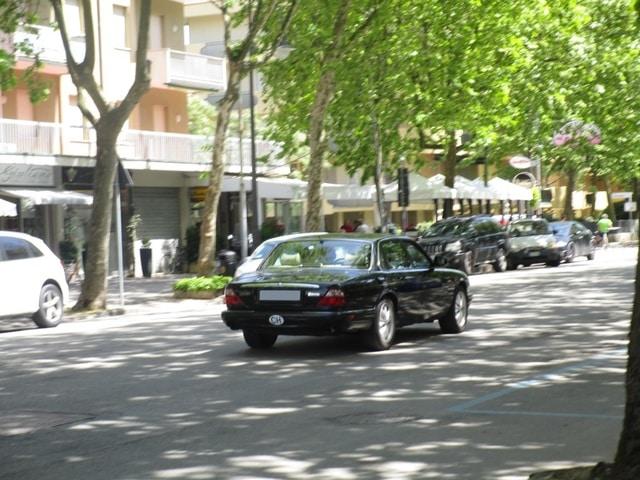 Avvistamenti auto rare non ancora d'epoca IMG_2258_FILEminimizer