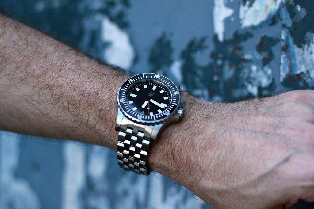 Helm Watches YKv_r36r_Pg9ua_Ib_AHs_L3_YG08p_U_i_O_6_Tn_FZ_WILgylk9_Hcg