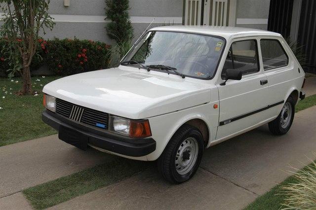 Fiat Brasile 40 anni (1976-2016) Fiat_147_C_1_3