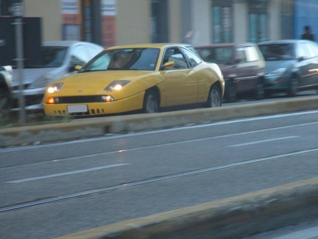 Avvistamenti auto rare non ancora d'epoca - Pagina 39 IMG_2009