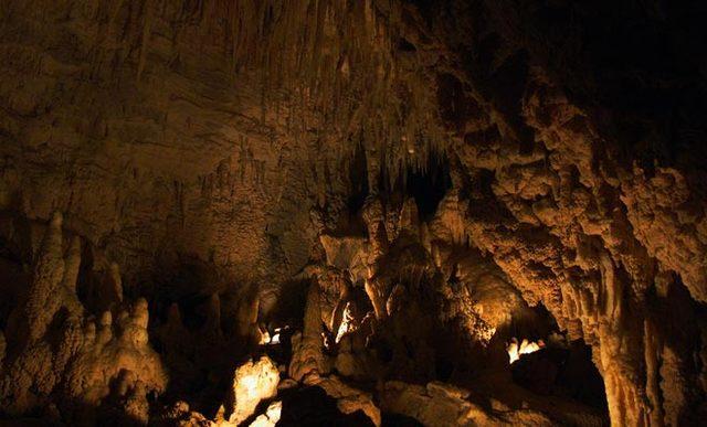 Pećine - Page 4 Grottes_stalactite_et_stalagmite