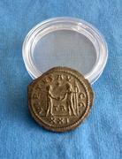 Aureliano de Numeriano. VIRTVS AVGG. Júpiter frente a emperador. Tripolis  IMG_6968