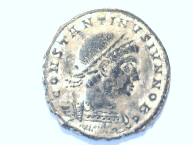 AE3 de Constantino II. GLOR-IA EXERC-ITVS. Ceca Constantinopla. Image