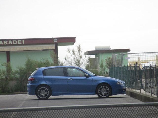 Avvistamenti auto dai colori particolari IMG_2287_FILEminimizer
