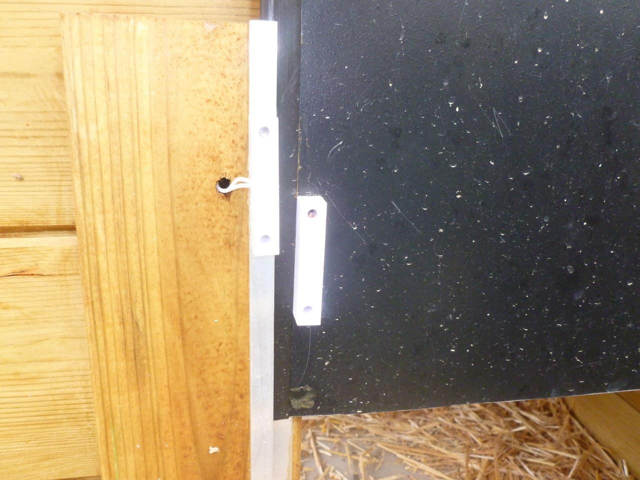 Porte automatique autonome de mon poulailler (sur panneau solaire) P1070730