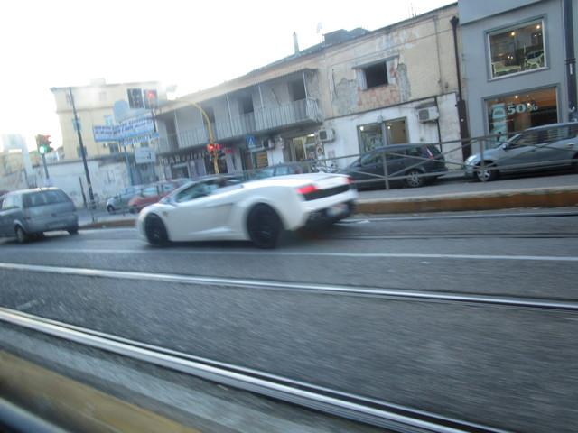 Avvistamenti auto rare non ancora d'epoca - Pagina 39 IMG_2007