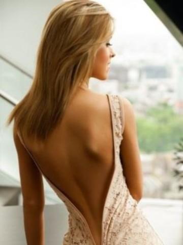 Ženska ledja... - Page 2 Moda_grazia_fashion_stil_dana_haljina_gola_ledja